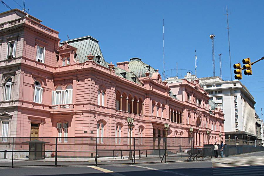 Die Casa Rosada, das Parlamentsgebäude, in Buenos Aires