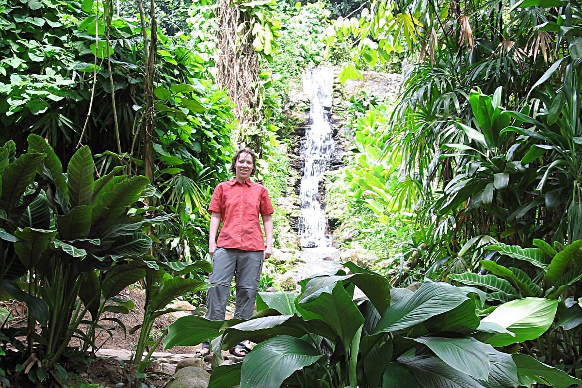 Selfie mit Selbstauslöser im Botanischen Garten von Rio de Janeiro