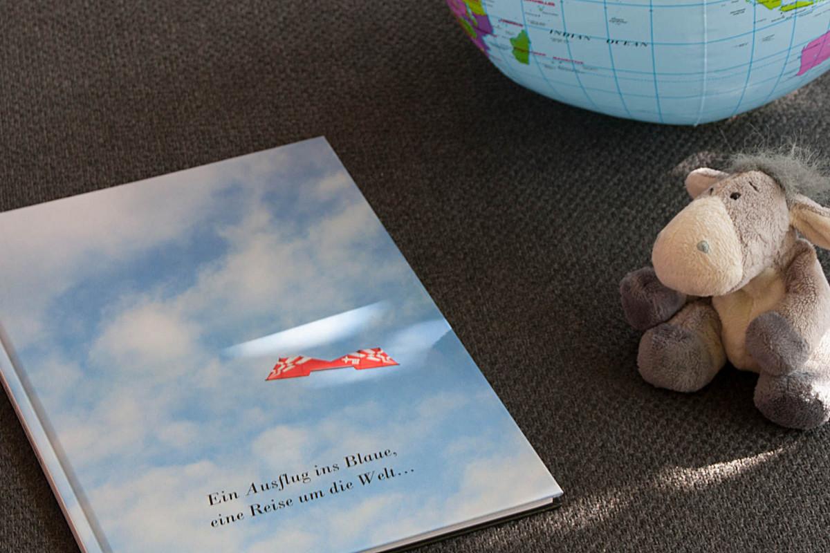 Der Esel unterwegs bei der Planung der nächsten Reise