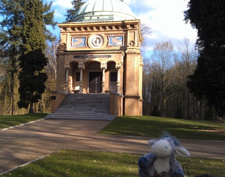 Mausoleum der Familie Wagenführ im Stadtpark von Tangerhütte