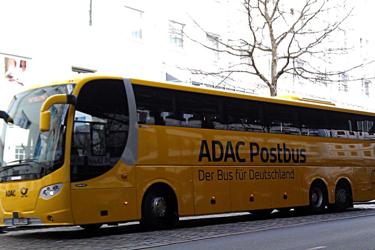 ADAC Postbus am Busbahnhof Bremen