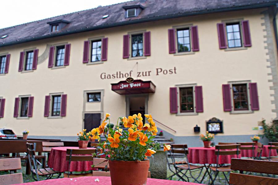 Der Gasthof zur Post - direkter Nachbar des Klosters in Schöntal