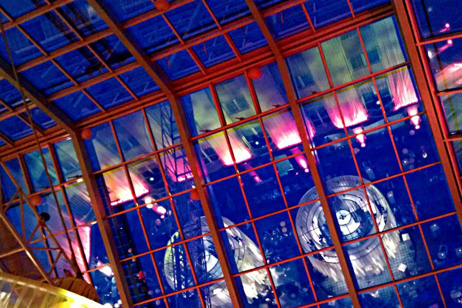 Blick ins Atrium vom Restaurant The L.O.B.B.Y im Radisson Blu Hotel Bremen