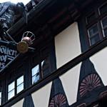 Schild für den Höllenhof in Quedlinburg