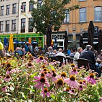 Entspannte Atmosphäre in den Straßencafés von Antwerpen