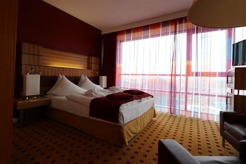 Das Zimmer im Urban-Stil im Hotel Radisson Blu Rostock