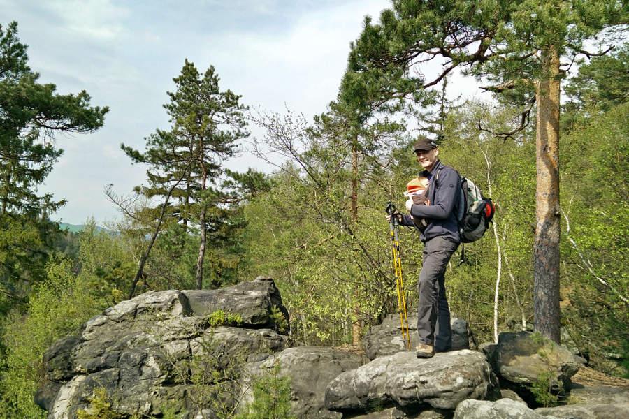 Steffen mit dem K1 während der Wanderung durchs Bielatal