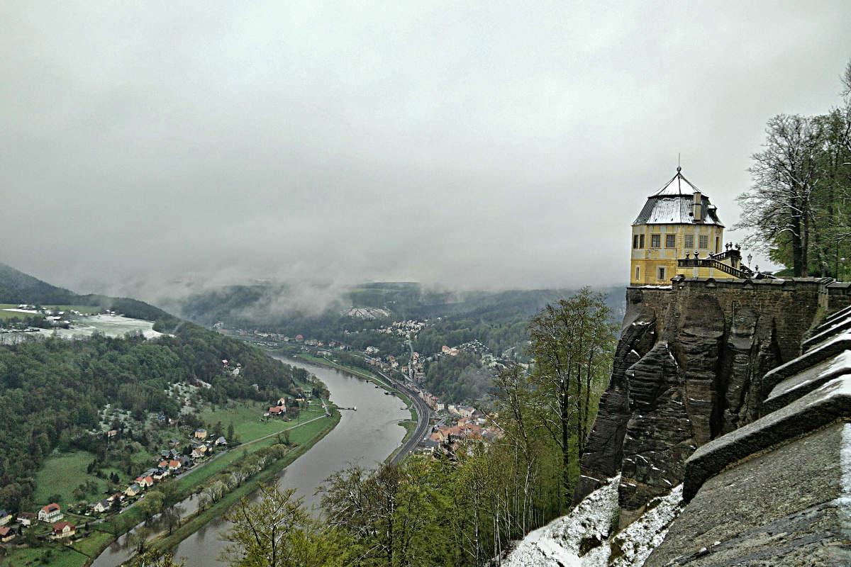Blick auf die Elbe von der Mauer der Festung Königstein