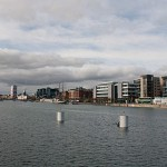 Moderne Bauten am Fluss Liffey auf Höhe der Dublin Docklands