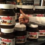 Am Flughafen gibt es Nutella in 5 kg Gläsern.