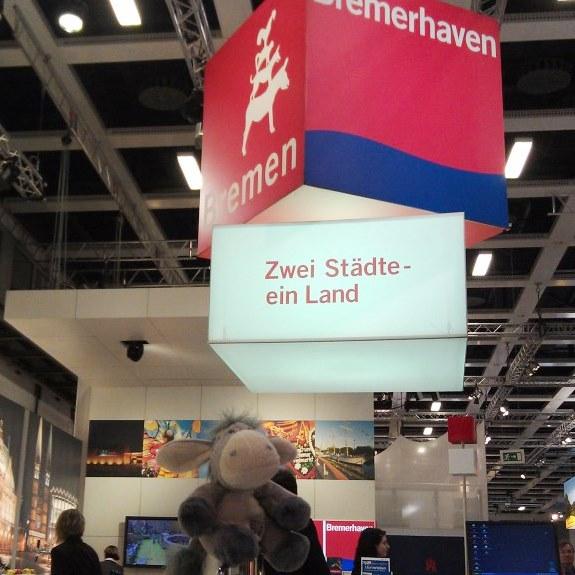 Der Esel auf dem Stand von Bremen und Bremerhaven auf der ITB 2013.