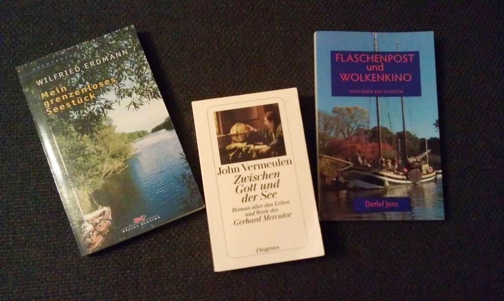 """Die drei Bücher, die es in der Aktion """"Blogger schenken Lesefreude"""" zu gewinnen gibt."""