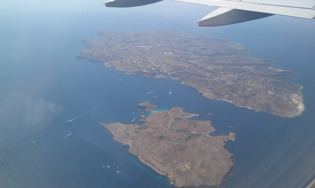 Comino und Gozo von oben, auch im Blick die Blaue Lagune