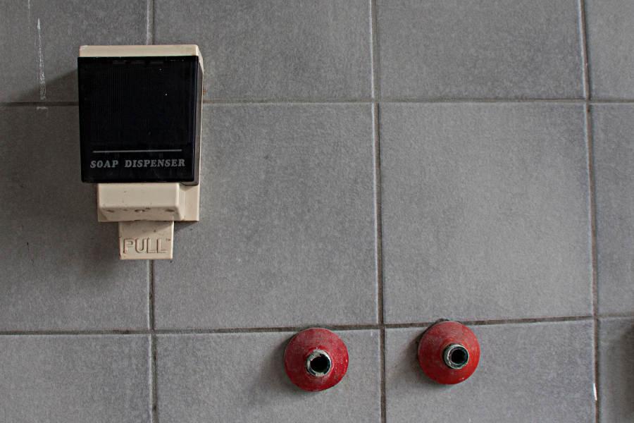Lost Places Restaurant - Seifenspender, soap dispenser