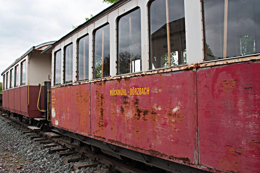 Alter Waggon der Bahn Möckmühl-Dörzbach auf dem Abstellgleis in Dörzbach