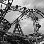 Achterbahnen und Riesenrad auf dem Wiener Prater