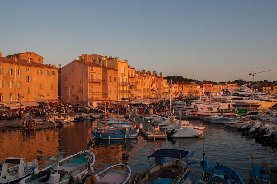 Auf der Suche nach dem Gendarm von St. Tropez - im September kamen wir bei unserem #roadtripgalore in dem französichen Hafenort vorbei.