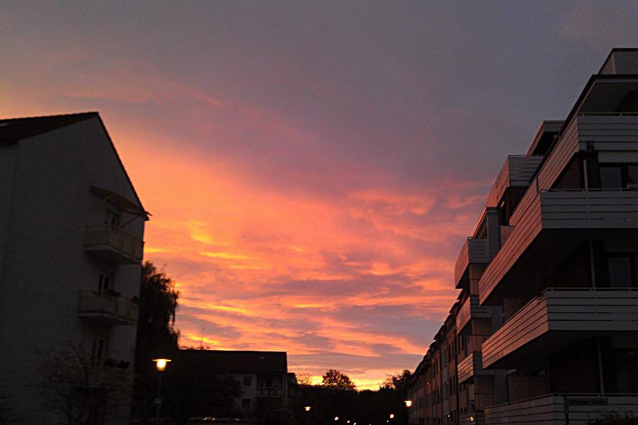 Ein wunderschöner Oktobermorgen in meinem Quartier, Bremen-Findorff.