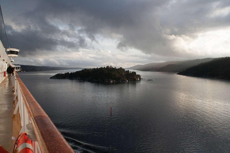 Im November fuhren wir mit der Color Line von Kiel nach Oslo. Auf dem Rückweg ist dieses Bild im Oslofjord entstanden.