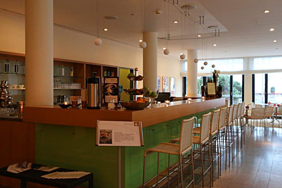 Die Bar im SPA-Bereich - hier gibt es kostenfrei Getränke und Obst