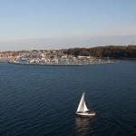 Kurz nach dem Ablegen in Kiel - schönster Sonnenschein auf der Kieler Förde
