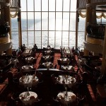 Titanic-Feeling bei diesem Anblick des Restaurants Oceanic an Bord der Color Magic