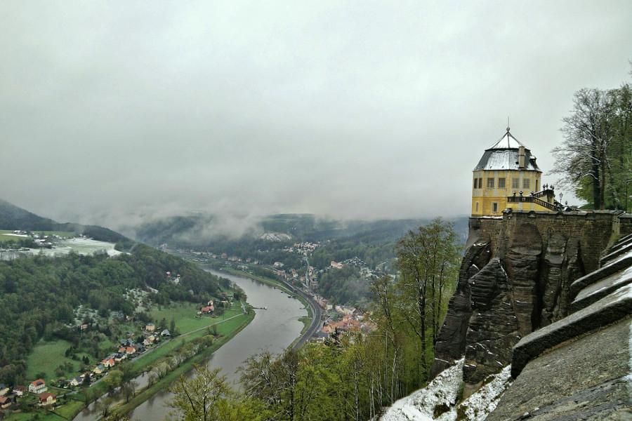 Blick auf die Elbe von der Festung Königstein mit Schnee
