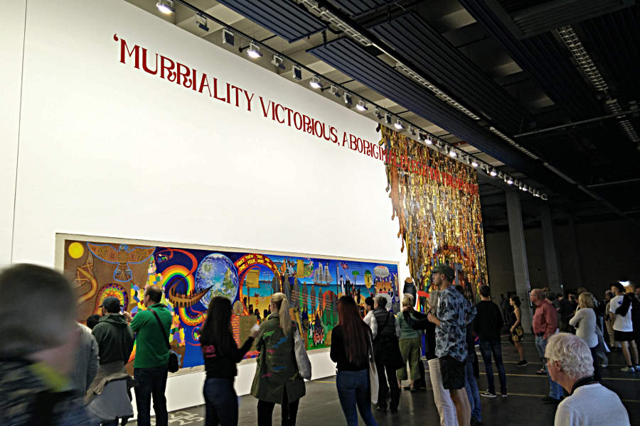 MURRILAND! in der Neuen Neue Galerie der documenta14 in Kassel. (c) Carolin Hinz www.esel-unterwegs.de